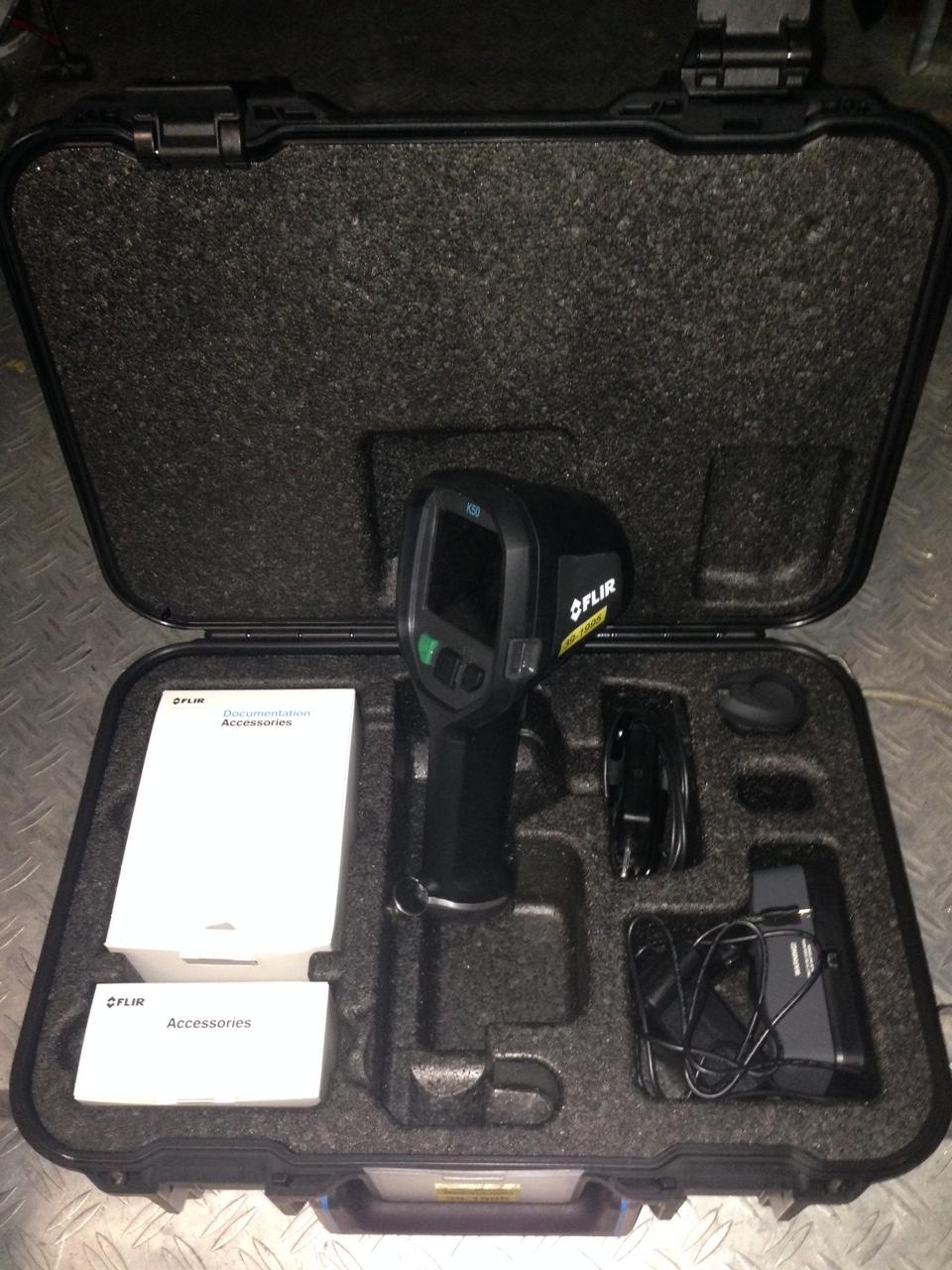 In einem praktischen Koffer ist die Kamera sicher verstaut und kann schnell eingesetzt werden